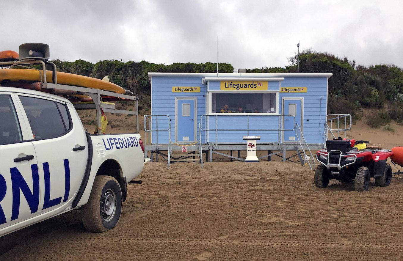 IFormUK_Beach_Huts_RNLI_Lifegaurd_IMG_1825