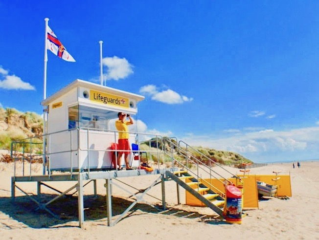 iForm Lifeguard Station